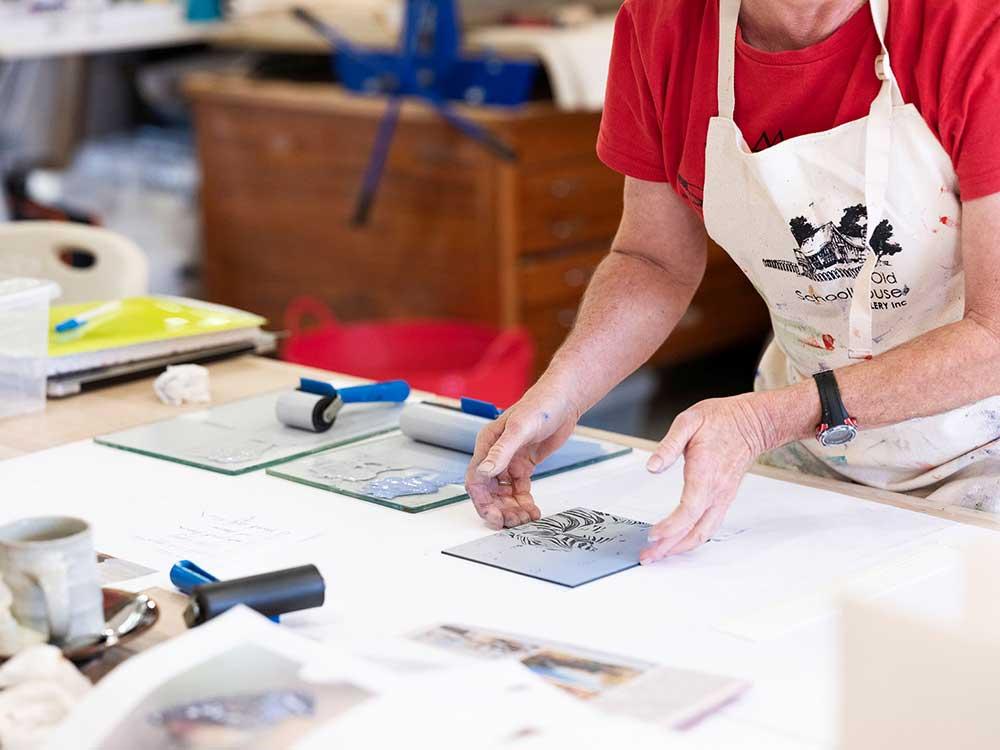 Printmaking workshops with Kim Herringe, Maleny. Linocut workshop