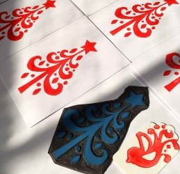 Printing Your Own Christmas Cards.Make Your Own Christmas Cards Kim Herringe Printmaker Maleny